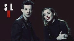 Happy Xmas (War Is Over) (Live at SNL) - Miley Cyrus, Mark Ronson, Sean Ono Lennon