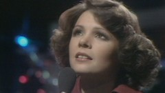 It's Gonna Be a Cold, Cold Christmas (Top of the Pops 1975) - Dana