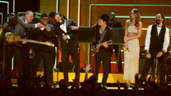 Locked Out Of Heaven, Walking On The Moon, Could You Be Loved (Grammy 2013) - Bruno Mars, Rihanna, Sting, Damian Marley, Ziggy Marley