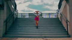 Lunes A Jueves - Leslie Grace, Farina