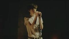 Listen To Your Friends (Live Footage Video) - Declan McKenna