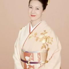 Fuyumi Sakamoto
