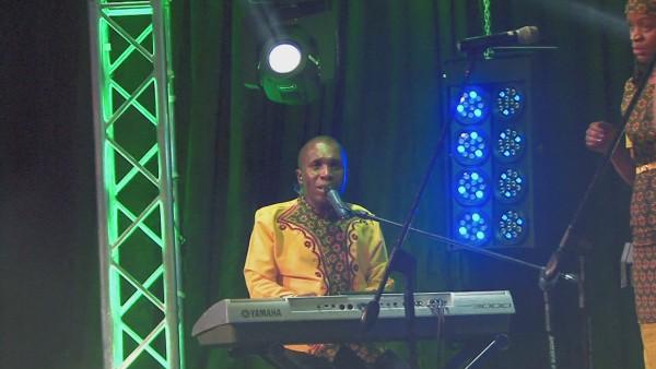 Vhothembiwaho (Live)